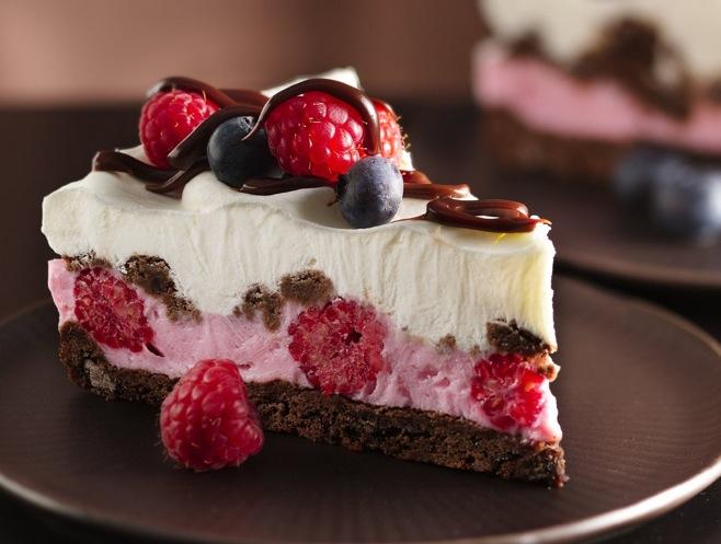 chocolate-and-berries-yogurt-dessert.jpg